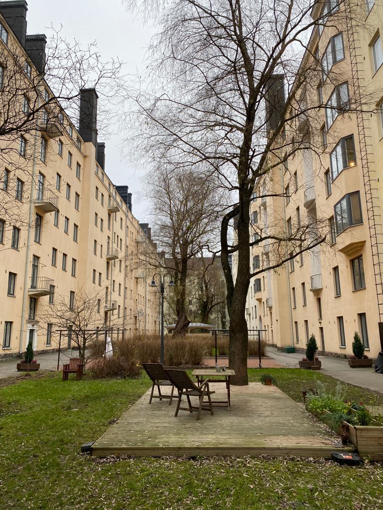 Gripenbergin korttelin sisäpiha Töölössä